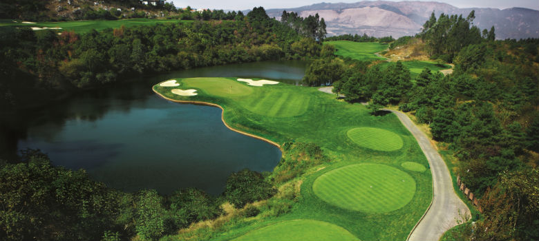 Golf-Holiday-at-Spring-City-Golf-Resort-China