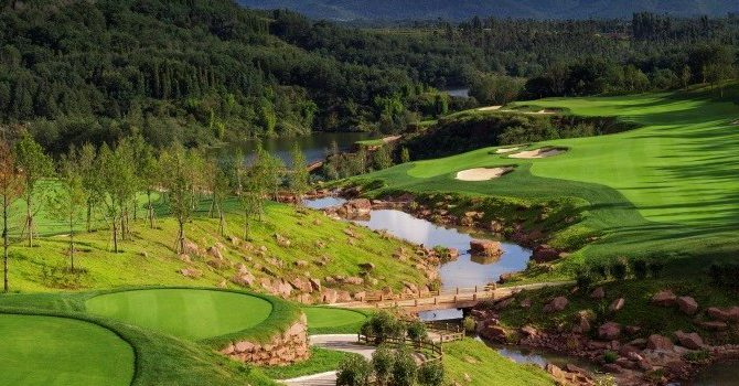The Stunningly Beautiful Golf Courses of Kunming