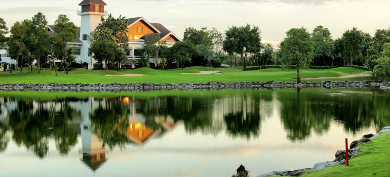 Alpine-Golf-Sports-Club-Bangkok